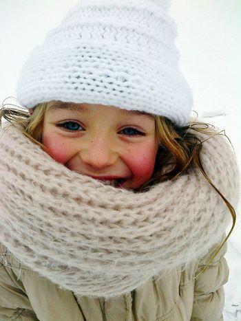 Little Sister Cold Day Snow Bonnet