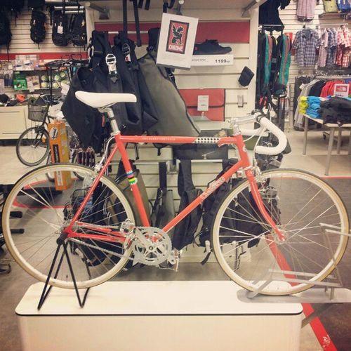 Crescent V ärldsmestarcykelen Worldchampionbike Bikesaroundtheworld bicycle bikeshop bike cykel sykkel stockholm sweden i want one red