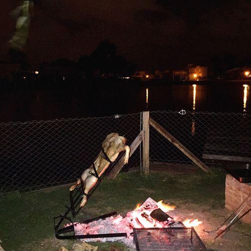 Lechon Cerdo Asador Asado Argentino Amigos Lake Shore Buenosaires Buenos Aires Argentina Wine