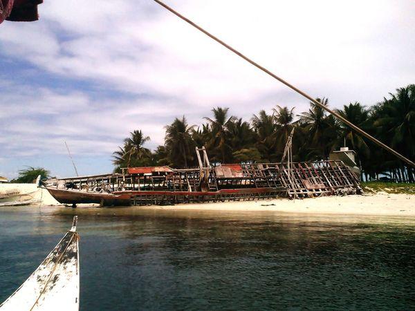 Shipwreck Island Island Hopping Travel Photography Go Out Take Photos