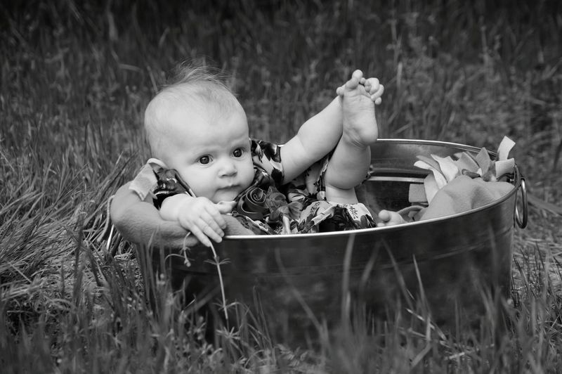 Beautiful Girl Baby Baby In A Tub People Photography Boredom Posing For The Camera Black And White Photography B&W Portrait