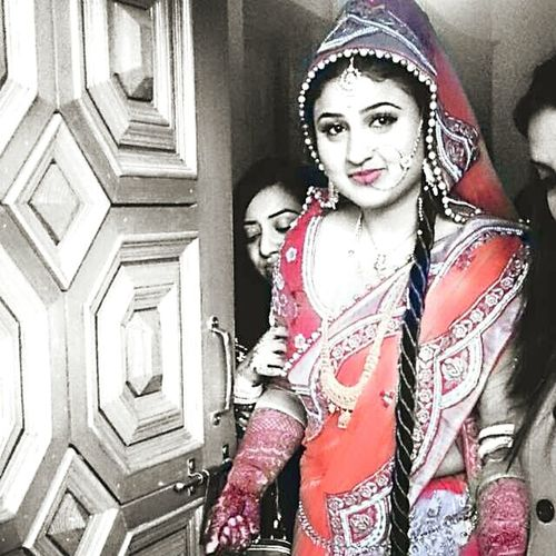 Beautiful Indian Bride Looking Awesome A True Friend Missing College Days Mrs. Miracle. 😁😁😁😁😁😁😁😊😊😊😊 Fashion Stories