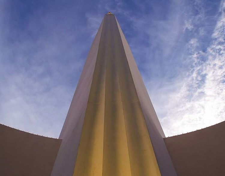 Tower Bldg - Fair Park. Some great things going down earlier. Excited about the next chapter in my amateur photography journey! Stay tuned!!!! Instadfw Instadallas Instadfw_jan Mydtd FairPark Dallasisdallas Dallas Dallaslove Artdeco Artsdecoratifs VSCO Vscophile Vscocam Vscodaily Vscogood Obelisk Architecture Photojournal Photogrid Symmetry
