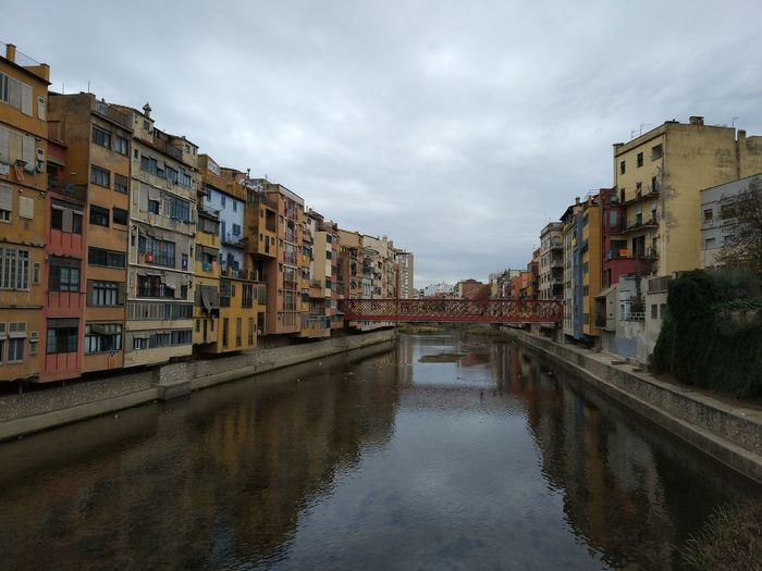 Reflection Water City Sky Cloud - SkyCityscape Urban Skyline Architecture edificis Autumn🍁🍁🍁 Girona Onyar Catalunya No People Outdoors Cityscape Day Building Exterior