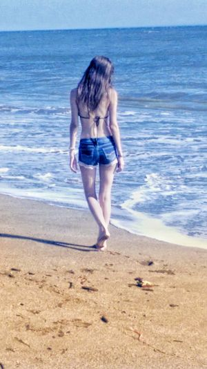 Your beauty is not in the physical, where everyone seeks, is in the heart, where few know how to reach 🍃 Blue Bluewater Walking Alone... Walking Beach Water Child Sea Beach Full Length Summer Sand Girls Standing Sky Wave Horizon Over Water Seascape Ocean Coast Calm