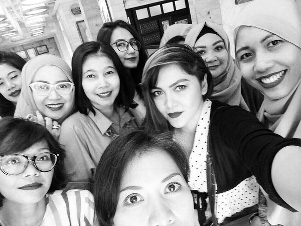 Arisan 4 - 2017, at Kedai Kopi Tenong, Cipete Raya. Mobile Upload-Me & Friends Arisan Ex IMLC's MOMs By ITag Arisan 4/17 By ITag ImpressiveMindsMoms Arisan IMCH By ITag