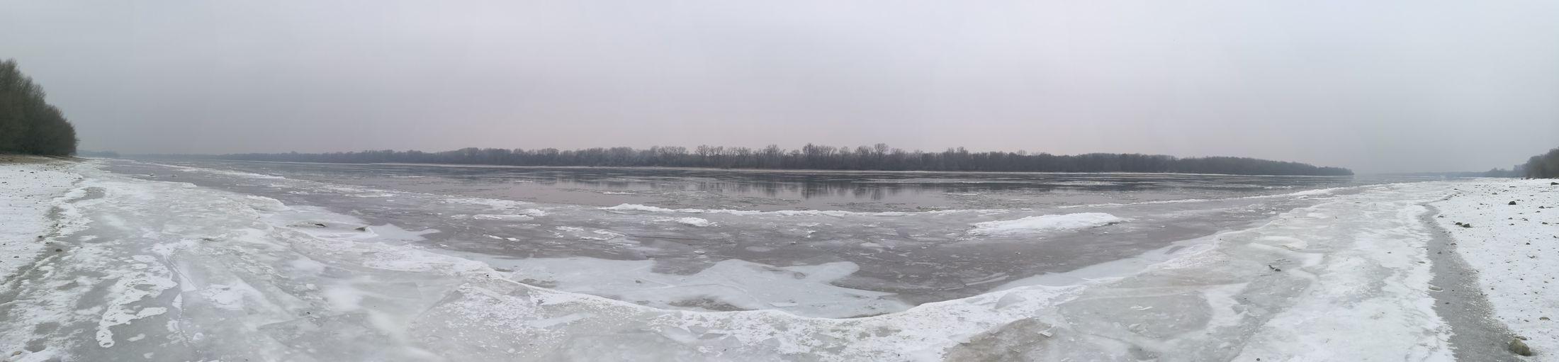 Duna Winter Snow