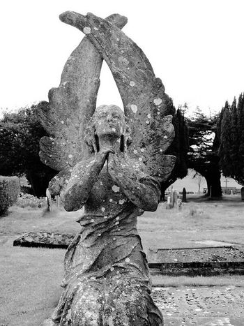 Taking Photos Blackandwhite Photography Check This Out Beautiful Place Eerie Beautiful Churchyard Statues Angelstatue In A Country Churchyard