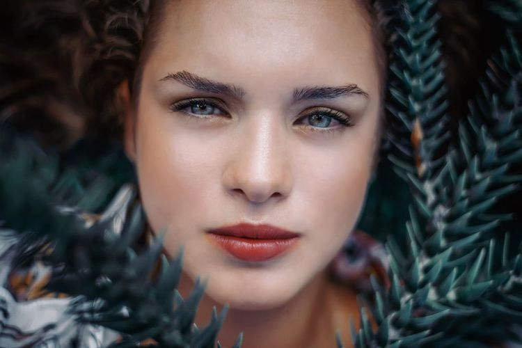 Portrait Young Adult Young Women One Person Beautiful Woman Headshot Close-up Women Make-up Beauty Lipstick Front View Body Part Adult Human Body Part Indoors  Looking At Camera Real People Hair Human Face Hairstyle Human Lips