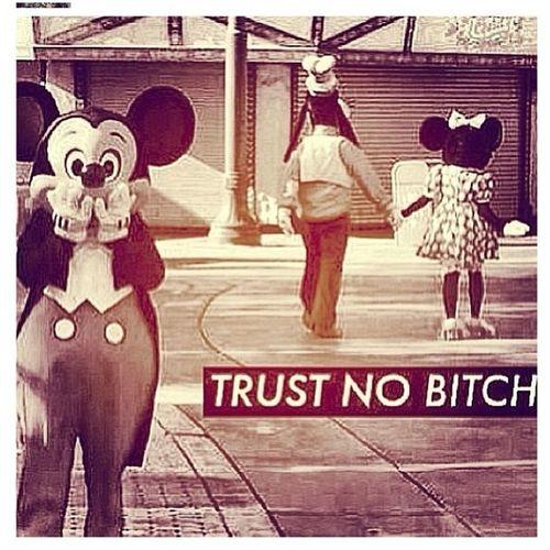 Yup . #mickey #minnie #goofy #trust