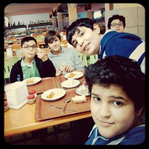 Okulda Yemek Yerken
