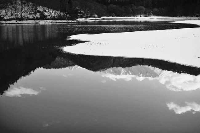 In the silence Feeling Inspired Blackandwhite Bnw Water Reflections Eyemphotography Stand Out From The Crowd https://youtu.be/z9lrVZdaluk