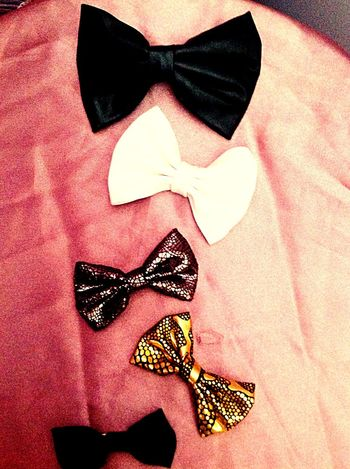 Bows Simple.