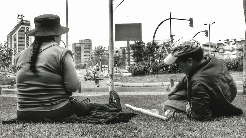 EyeEm Diversity Real People Adult City People Ecuador♥ Outdoors Cityscape City Life City View  Indigenous  Indigenous People Indígena Landscape Eye4photography  The Street Photographer - 2017 EyeEm Awards Black And White Friday