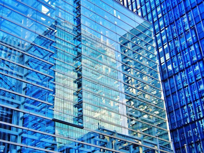 Buildings in buildings Buildings Reflection Walking Around Fujifilm XQ1 at Ootemachi in Tokyo Japan