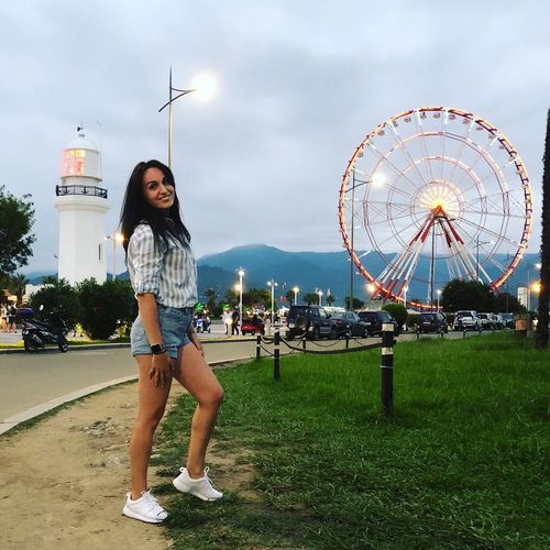❤️💛❤️ One Person Amusement Park Casual Clothing Young Adult Young Women Amusement Park Ride Architecture Sky Cloud - Sky Nature Women Outdoors Portrait Ferris Wheel Real People Lifestyles Standing