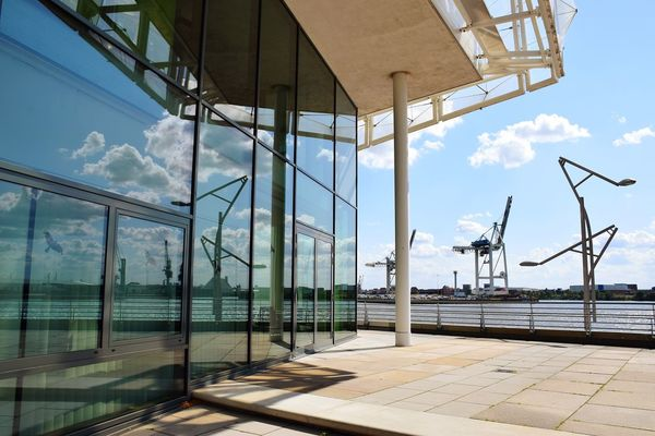 Nature Light And Shadow Beauty In Nature Sunlight Sunshine Outdoors Focus On Foreground Sky And Clouds Architecture Reflections And Shadows Reflections In The Glass Windows River Elbe ♥️ Water Sky Architecture Built Structure Cloud - Sky Landscape Horizon Over Water Tranquil Scene Scenics Non-urban Scene Idyllic Tranquility