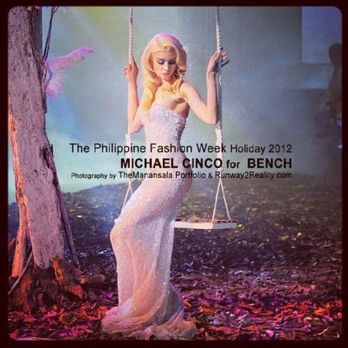 Allison Harvard for Michael Cinco's Bench Impalpable Phfw Themanansala Runway2reality MichaelCinco bench