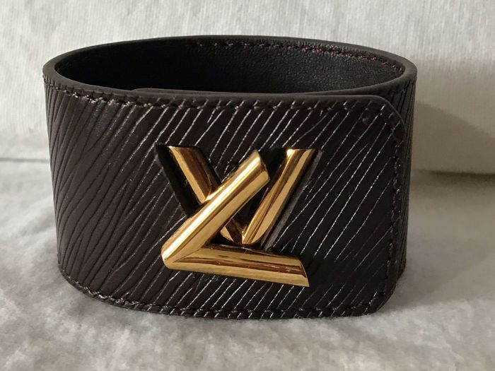 Louis Vuitton Luis Vuitton LV Brazalete Still Life Close-up Indoors  No People Table High Angle View Metal