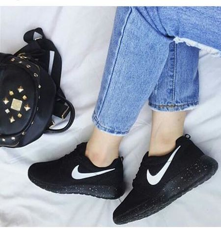 Shoeselfie Girl Blue Jean That Legs