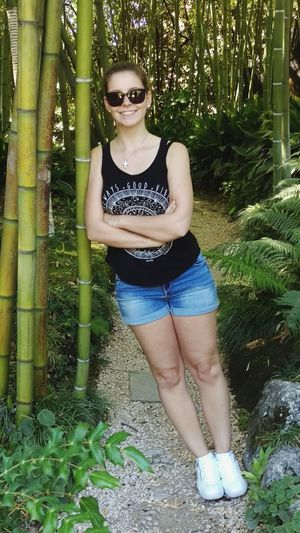 😀 Stay Strong Person Footpath Nature Growth Outdoors Leaves Beauty Day Front View Green Color Bamboo Bamboo Forest Green Green Green!  Portrait Portrait Of A Woman Hi Me Its Me :) Woman Hello World Taking Photos Capture The Moment Enjoying Life Holiday