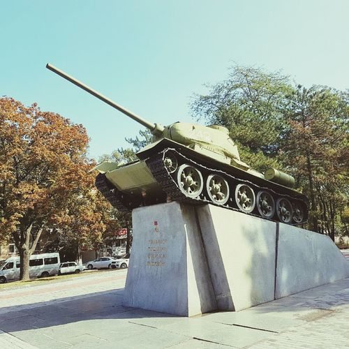 T34 Tanks Tank T-34-85 Tourism Military War No People Sky Day Army Ukraine 💙💛 Galaxy S7 Galaxy Capital Cities  Dnipropetrovsk Dnipropetrovsk Ua Architecture Photo Of The Day Photography City Life City Funny Dnipro City Dnipro