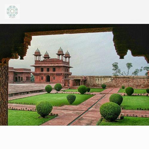 Fatehpuh Sikri / India Earthexperience Superstarz_edit Ig_alessandria Ig_superstarz tv_visionaries amazing_allshots globe_travel_ ig_week_family wu_india indiapictures