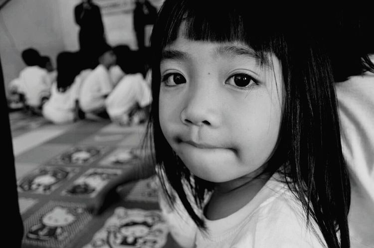 Littlegirl Humanportrait Potrait_photography Kidsphotography EyeEm Best Shots Eyeemkids Children's Portraits Children Potrait Of Woman
