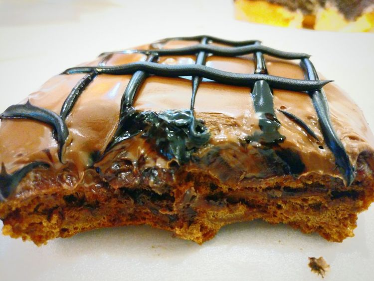 ShareTheMeal Close-up Cold Temperature Outdoors A Dunkin' Donut Doughnutandcoffee doughnuts #food krispykreme yummy Maximum Closeness Depth Of Field (food) Food And Drink Bread Unhealthy Eating Ready-to-eat Eyeem Food  Indoors  Chocolate Covered