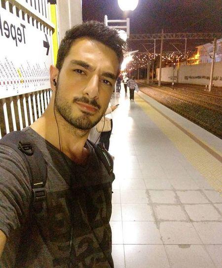 İzban-metro arasi sürünme keyfiiii 😑😑😑😑😱 Selfie Nofilter Night Izban Izmir Keyf
