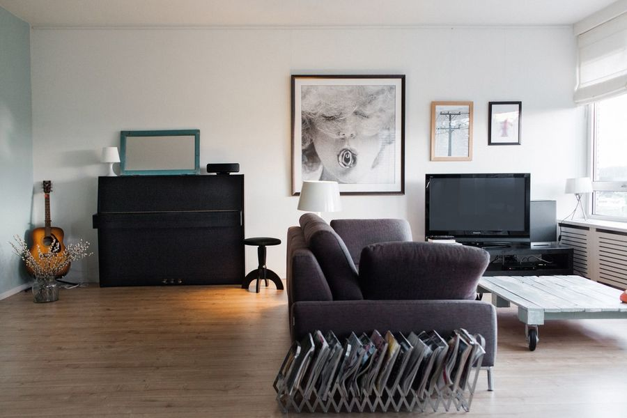 Living Room Lifestyle Lifestyles Piano Sofa House Home Interior Home Interior Interior Design Indoors  Chair Picture Frame Home Interior Table Living Room Home Showcase Interior Hardwood Floor Absence No People Desk Technology Domestic Life Furniture Neat Day Architecture Bookshelf