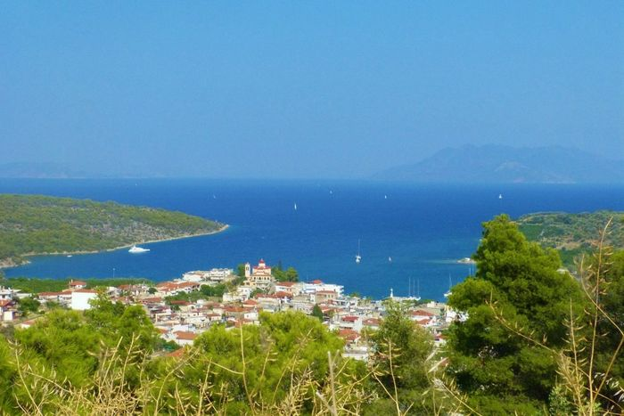 Paysage Eau Sea Mer Ciel Bleu Blue Village Green Color Vert Green Wood Bois Grèce, Greece, Your Ticket To Europe