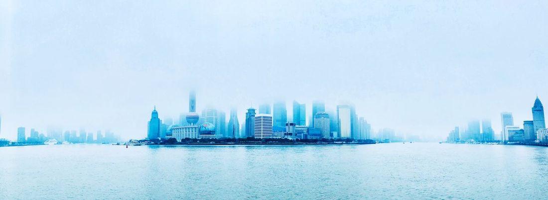 雨后清晨黄浦江