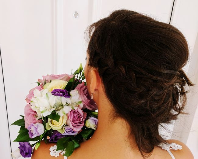 One Woman Only Only Women One Person Adults Only People Adult Indoors  One Young Woman Only Curly Hair Young Adult Day Lifestyles Headshot Domestic Life Flower Women Young Women Sensory Perception Close-up Bride Wedding Wedding Photography Wedding Day