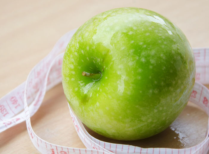 Close-up Day Food Food And Drink Freshness Fruit Granny Smith Apple Green Color Healthy Eating Indoors  No People Table