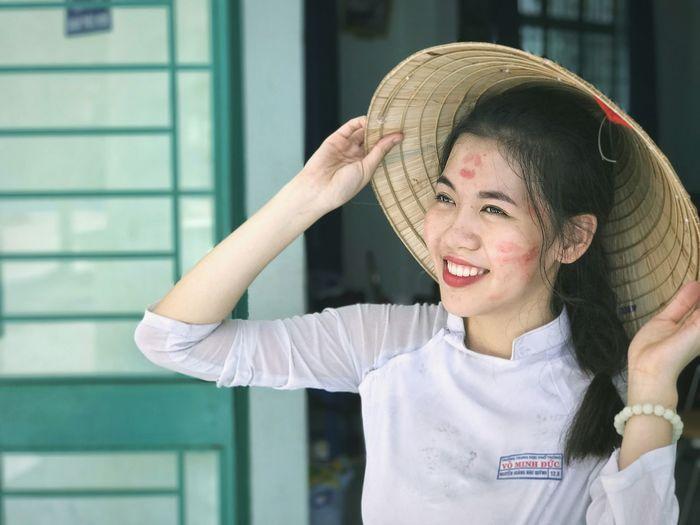 Quỳnh Quỳnh ~ AodaiVietNam ❤️ Vietnamese Girls Non La Vietnam áo Dài ❤ Portrait Vietnamese