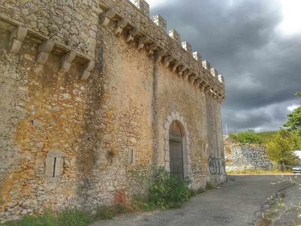 Architecture Built Structure Building Exterior Arch Sky Old Cloud - Sky The Way Forward Cloud Cloudy History Day Outdoors The Past Footpath surface l Setúbal Portugal evel HuaweiP9 Oo Huawei Shots Setubal Portugal