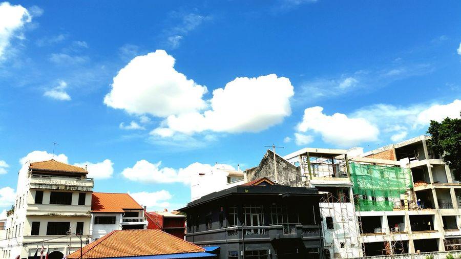 这次旅途中发现 美女的确很多 但你爱的不再这里 喜欢和爱不一样 Melaka Photos Melaka Malaysia The World Heritage