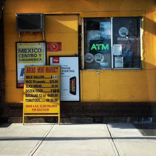 Arias Mini Mart Minimart Bodega Hispanic Grocery payphone moneyorders produce sign