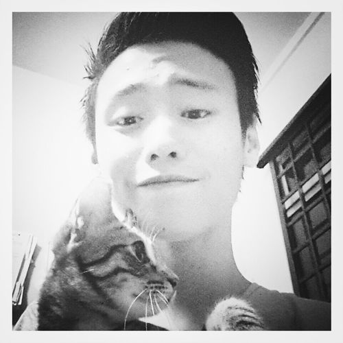 Cat Me Blackandwhite Follow Me Taking Photo Simplicity Photooftheday Hairstyle POTD Young And Wild