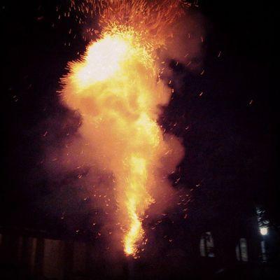 Fireworks for chaturthi 2013. Happy ganesh chaturthi guys :) Chaturthi Ganesh Fireworks