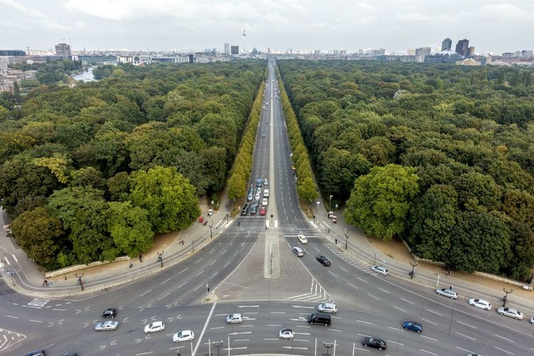Aerial View Berlin Birdview Bridge - Man Made Structure Car City Cityscape Connection Day Highway No People Outdoors Road Siegessäule  Siegessäule Berlin Sky Tiergarten Tiergarten Berlin Tiergarten Park Traffic Transportation Travel Tree Victory Column