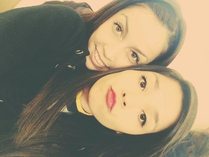 Te amo así tal cual😅💞👏🏼 Asitalcual Withmybestfriend Bff❤ Teamo♥ MejorAmiga Feliche Enjoying Life At School Taking Photos Love