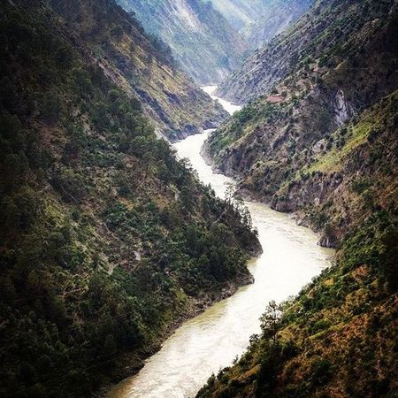 Finally!!!! I Posted this pic!!! I clicked this 3 yrs ago from our running car!! Chenab river's upper course in full flow near Udhampur, some 80 kms from Jammu city. Currently the highest railway bridge of the world is being constructed here connecting Indian railways with Kashmir. NaturalBeauty Riversofindia Chenabriver Zigzag NH1 Randomclick Myfavouriteclick Jammu Kashmir Highway Udhampur Amazingbeauty Indiastories _soi Indiapictures Streetsofindia Indiagram Travelgram Instagram Instadaily Instaclick Instaediting Instaeffect Instaupload Likeforlike tagforlike followforfollow