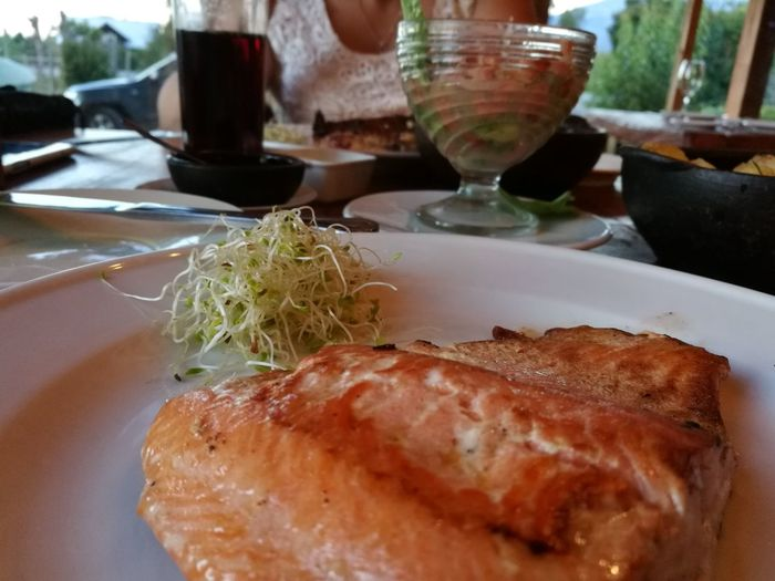 Salmon, Ensenada. Sur de Chile