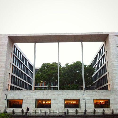 Bibliothekseinblicke. Berlin Library Außwärtigesamt Knowledge Politics