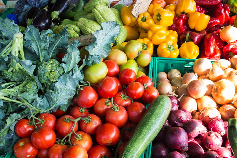 fruit & vegetables market Colors Abundance Bell Pepper Choice Close-up Colorful Day Food Food And Drink For Sale Freshness Green Color Healthy Eating Market No People Outdoors Retail  Variation Vegetable Vegetables