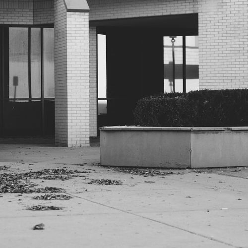 Architecture Architectural Column Building Exterior No People Built Structure Proffesionalphoto Blackphotography Architecture Aesthetic Gray Introvertlife BlackAesthetic Vintage Shopping Center Recession Radio Trashed Abandoned Buildings Blackandwhite Wichita Kansas  Minimalism Infj Minimalist Infp Introvertswagger