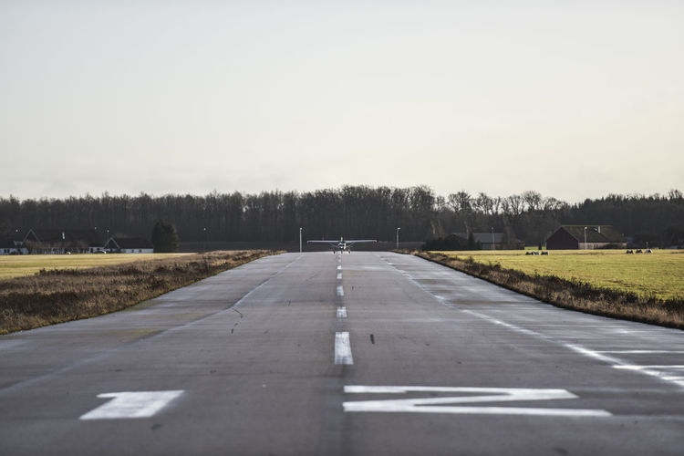 Aircraft Aircraft On Runway Airport Runway Celebration Cessna Caravan General Aviation Plane Runway