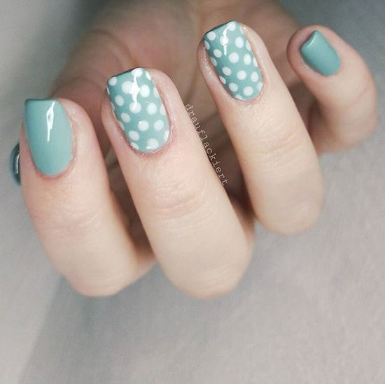 Guten Morgääähn 😴 Nur noch heute, dann haben wir es schon wieder geschafft. 💪 Ein schönes Wochenende ❤ ..Infos zum Lack findet ihr auf dem ersten Bild 😊 Twinnailchallengemitsandraundjessi Nailart  Nailsoftheday Nails Nailsofinstagram Nailstagram Nagellack  Trenditup Naildesign Vintage Vintagenails Me Topcoat Toptag 60s Retronails Dots Blogger Touchofvintage Beautiful Love Manicure Polish Softsense Weekend thankyougoditsfriday friday nailblogger naillove